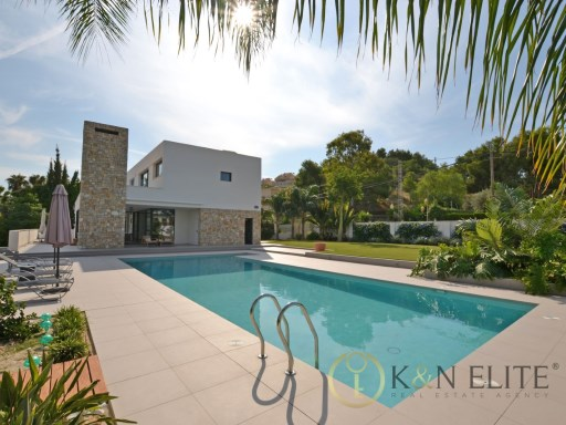 Exclusive Hollywood Villa in Las Paulinas | 4 Bedrooms | 6WC