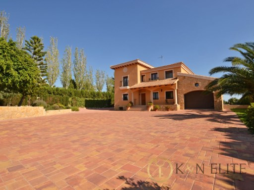 Villa › Mutxamel | 5 Bedrooms | 3WC