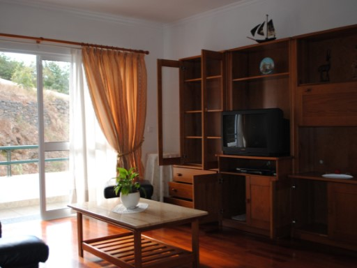 Apartment › Funchal | 2 Bedrooms + 1 Interior Bedroom | 1WC