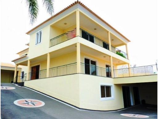 House › Funchal | 4 Bedrooms + 1 Interior Bedroom | 5WC