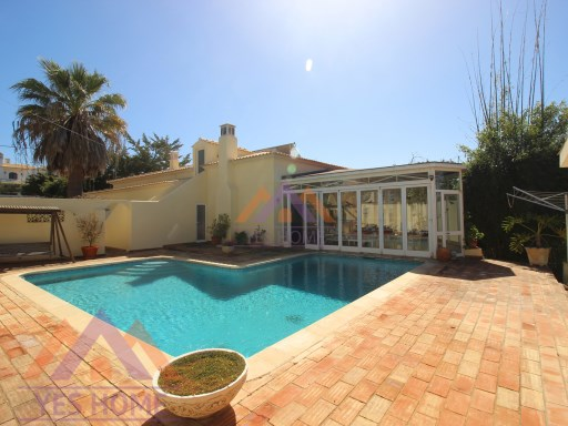 Villa 3 Bedrooms Fonte Santa Quarteira | 3 Bedrooms | 3WC