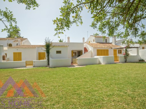Typical 'Casa Algarvia' Townhouse, Vilamoura Center | 2 Bedrooms | 2WC