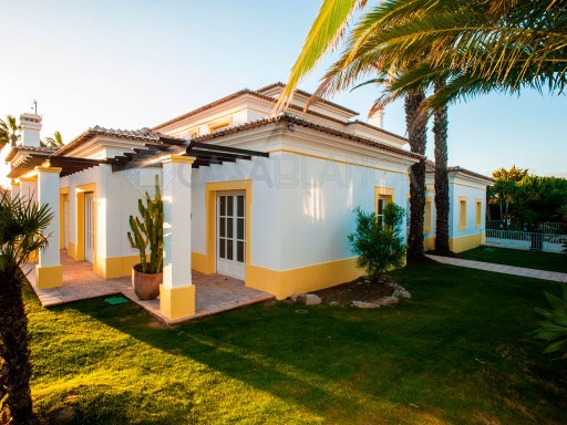 Villa situated in the best area of Cascais (Quinta da Marinha) | 5 Bedrooms