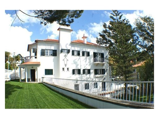 Great House in the Centre of Estoril | 6 Oda Sayısı