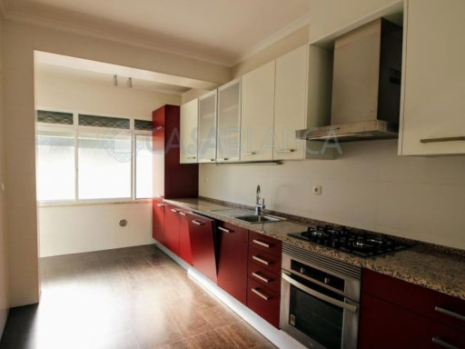 Apartment T3 Benfica refurbished with Terrace | 3 Bedrooms