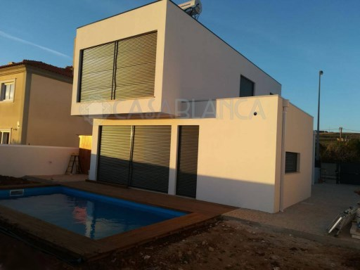 3 Bedrooms New Villa in Manique, Cascais | 4 Pièces | 3WC