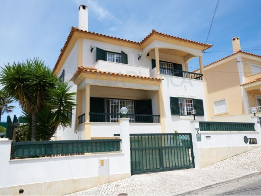 3 bedroom villa in Bairro da Martinha, Cascais | 3 Sovrum + 1 Interior Bedroom | 3WC