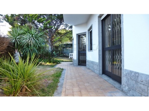 House 4 bedrooms very well located |