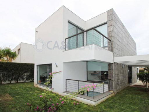 4 bedroom Contemporary Villa in Aldeia de Juzo, Cascais | 4 Sovrum + 1 Interior Bedroom | 4WC