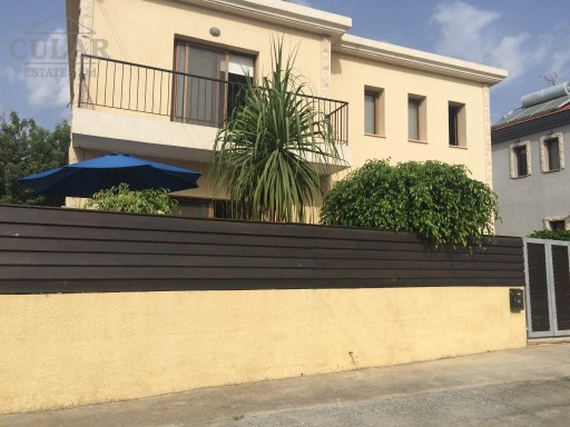 Detached home in Polemidia | 3 Bedrooms | 2WC