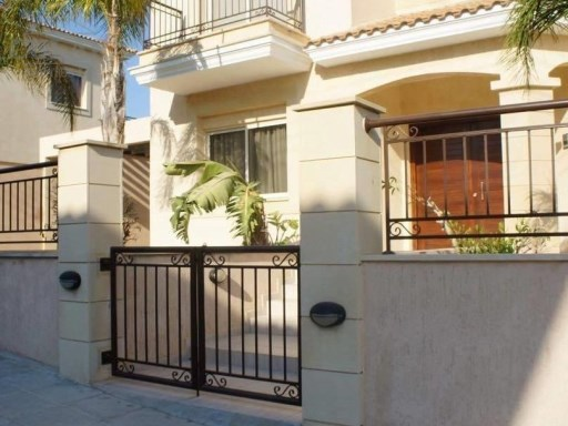 Villa in Limassol for Rent | 5 Bedrooms | 3WC