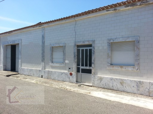 Old House › Alpiarça | 2 Bedrooms | 1WC
