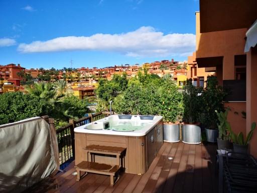 Jacuzzi En Terraza.Increible Bajo Con Terraza Y Jacuzzi En La Reserva De Marbella