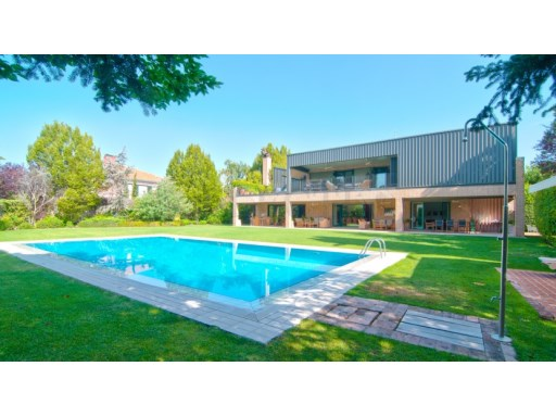 Villa › Madrid | 6 Bedrooms | 6WC