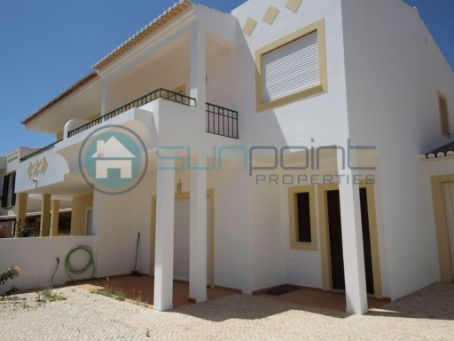 3 bedrooms Villa with Garage. Close to the beach of Porto Mos. | 3 Bedrooms | 3WC