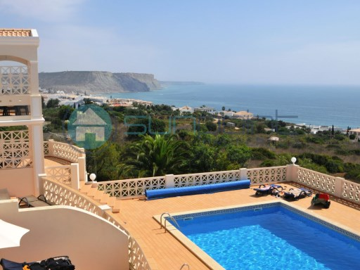 2 bed apartment with beautiful sea views and swimming pool Praia da Luz | 2 Bedrooms | 1WC