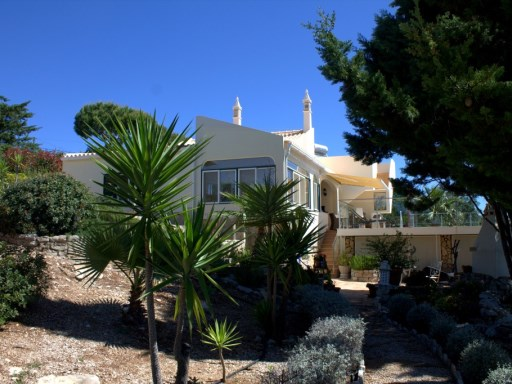 4 Bedroom villa with fantastic sea views | 4 Bedrooms | 4WC
