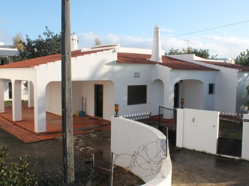 3 bedroom house in Almancil | 3 Bedrooms | 2WC