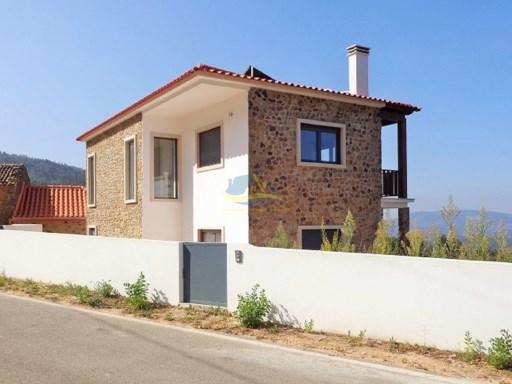New build property located in a village not too far from the towns of Penela and Miranda do Corvo in the district of Coimbra.  | 4 Pièces | 2WC