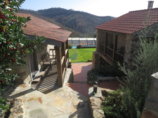 Lovely, stone property comprising two houses with shared swimming pool. | 4 Bedrooms | 2WC