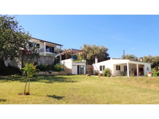 Superb, detached property with swimming pool and approximately 5000m2 of arable land with some forest.  | 4 Bedrooms