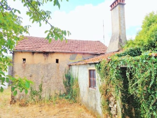 Rustic village property in need of renovation.   | 2 Bedrooms