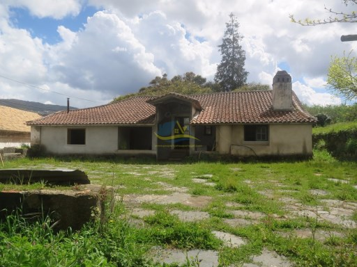 Large Quinta located close to Miranda do Corvo and Penela with 82000m2 of land.  | 5 Bedrooms