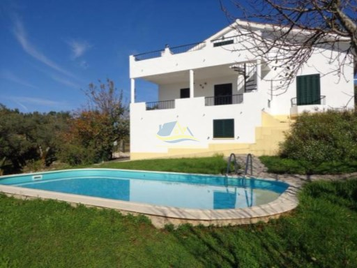 4 bedroomed property enjoying fantastic views across the Rabaçal valley.  | 5 Pièces | 2WC