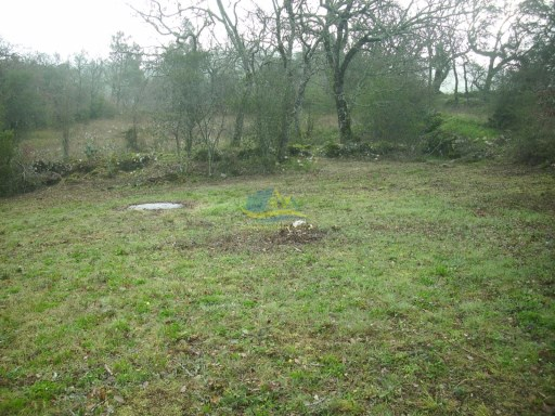 This is a rare opportunity to purchase a building plot, with detailed planning permission for house and pool, in a beautiful and protected area.  |