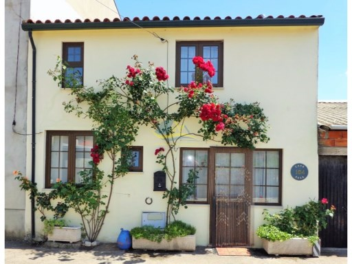 Charming two bedroom cottage located on the outskirts of the town of Miranda do Corvo in the district of Coimbra.  | 2 Bedrooms | 1WC