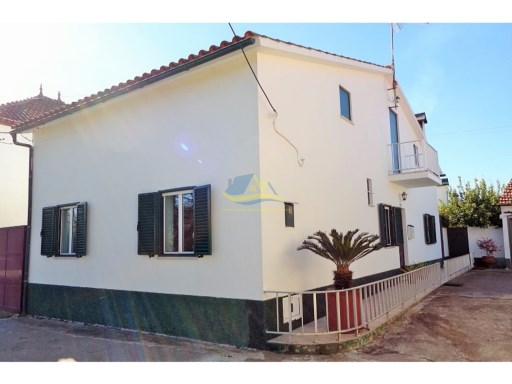 Stone house in good condition with 135m2 of cleverly utilized living space  | 4 Bedrooms | 3WC