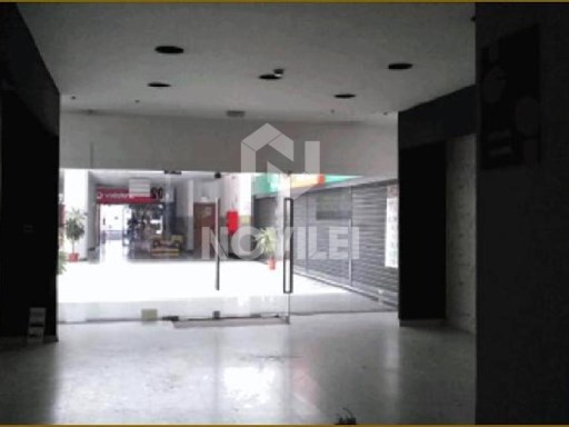 Store in the Mall in Marinha Grande |