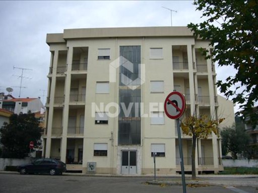 2 bedroom apartment in the Centre of Ourém, with all sorts of equipment/services in the environment. Proximity access node IC9 | 2 Bedrooms | 1WC