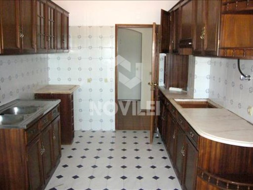 Apartment 2 bedrooms in good condition, near the center of Mira D'aire | 4 Bedrooms | 2WC
