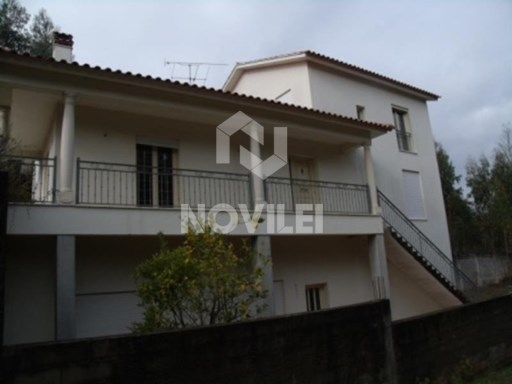 House 4 bedrooms in Ourém | 4 Bedrooms