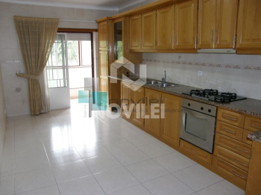 Apartment T3 booked with garage for 2 cars | 3 Bedrooms | 2WC