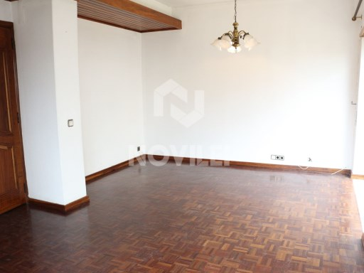 3 bedroom apartment recently renovated with great sunlight exposure | 3 Bedrooms | 2WC