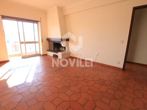 2 bedroom apartment South facing for rent in the Centre of Leiria | 2 Bedrooms | 1WC