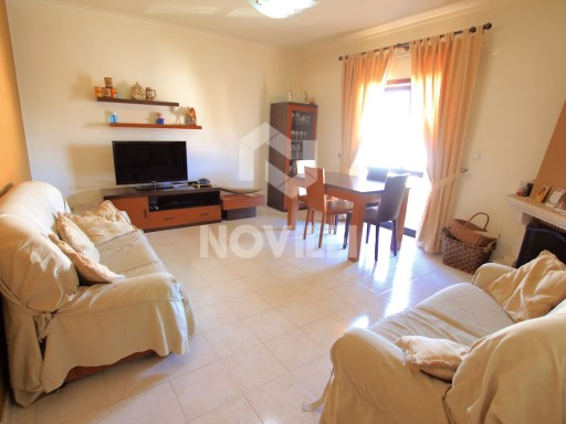 2 bedroom apartment w/large areas, garage and two storages, in good condition | 2 Bedrooms | 1WC
