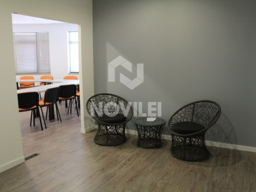 Office in the Centre of Leiria with recent renewal |