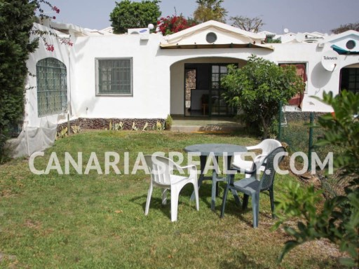 BUN_16. Bungalow with 2 bedrooms in Sonnenland. It has a large private garden with incredible panoramic view of Maspalomas area. | 2 Bedrooms | 1WC