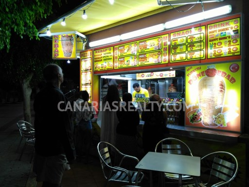 LOC_484. Business opportunity: kebab shop in popular shopping center in touristic area of Maspalomas. |