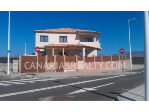 VIL_216 New villa in Pozo Izquierdo near the beach. | 4 Bedrooms | 4WC