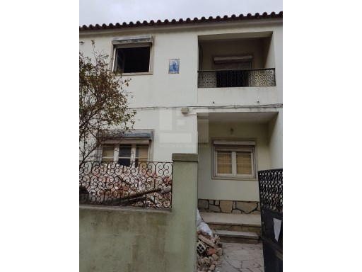 Semi-Detached House › Sintra | 2 Bedrooms | 2WC