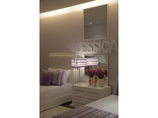 Room with moulding iluminada%37/47