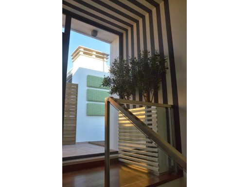 Stairs with guards in glass and inox%39/47