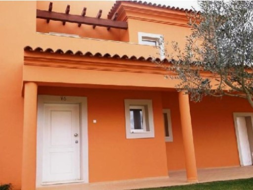 Villa with pool for sale Algarve%4/18