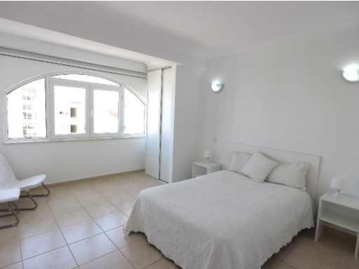 Buy apartment in Central Albufeira%1/14