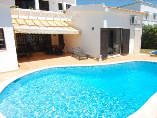 3 bedroom villa with swimming pool for sale in Albufeira%5/16