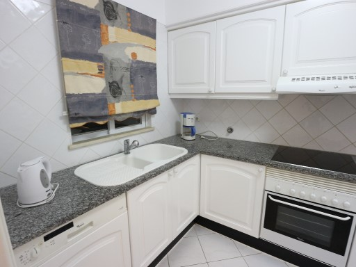 T2 apartment with equipped kitchen in Albufeira%8/17